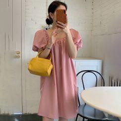 Shumanee - 泡泡袖方领纯色迷你A字连衣裙