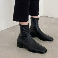 MONOBARBI - Stitched Ankle Boots