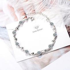 Knick Knack - Rhinestone Heart Bracelet