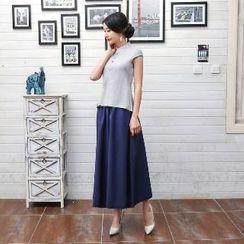 Golden Flowers - Cap-Sleeve Mandarin Collar Top / Plain Maxi Skirt