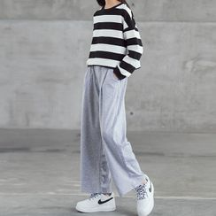 Chisy - Kids Striped Pullover / Cropped Wide-Leg Pants