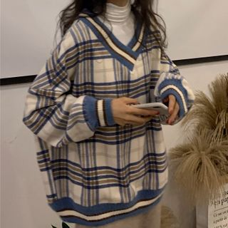 Duwnie - V-Neck Plaid Sweater/ Long Sleeve Turtleneck