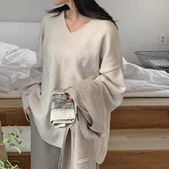 HOTPING - V-Neck Loose-Fit Sweater