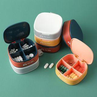 Showroom - Divided Plastic Pill Box