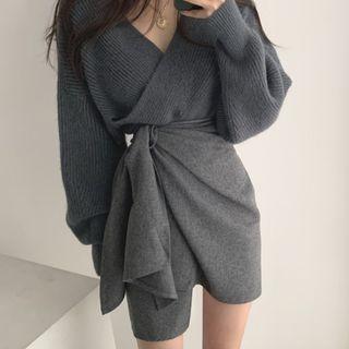 Avox - V-Neck Sweater / Asymmetric Knit Skirt