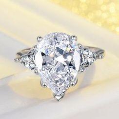 Supremo - Drop Rhinestone Ring