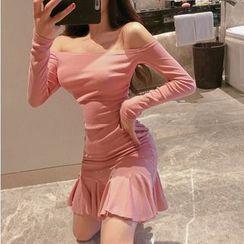 Maine - Off-Shoulder Long-Sleeve Mini A-Line Dress