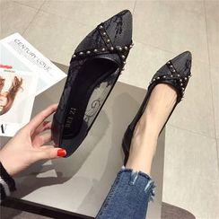 The Shoe House - 蕾絲細節鉚釘輕便平跟鞋