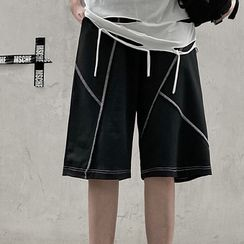 AXEN - Contrast Stitch Shorts