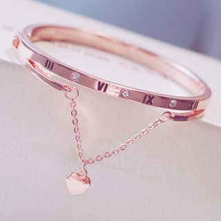 Moska - Embossed Heart Bangle