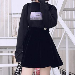 Sulis - Printed Long-Sleeve T-Shirt / Velvet Suspender Skirt