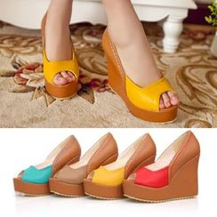 Comof - Color Block Wedge Sandals