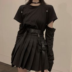 Robynn - Detachable-Sleeve T-Shirt / Mini Pleated Skirt