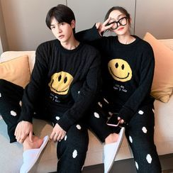 Endormi - Couple Matching Pajama Set: Long-Sleeve Smiley Face Print Fleece Top + Dotted Pants