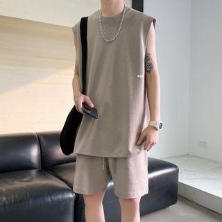 Obikan - Set: Sleeveless T-Shirt + Sweatshorts