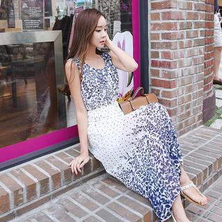 Envy Look - Sleeveless High-Waist Print Maxi Dress