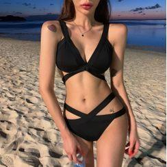 Vinroll - Set: Strappy Bikini Top + Bottom