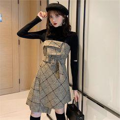 Solaria - Set: Long-Sleeve Top + Spaghetti Strap Mini Plaid Dress