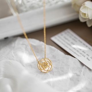 MOMENT OF LOVE - Stainless Steel Shell Rose Pendant Necklace