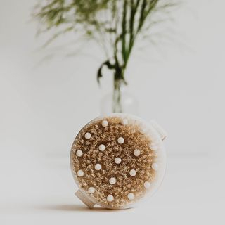 Beauty by Earth - Dry Brush With Cellulite Massager