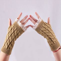 Damasco - Cable Knit Fingerless Gloves