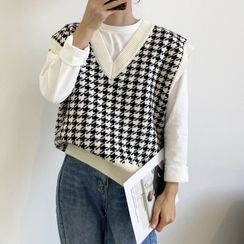 Glovon - Houndstooth Knit Sweater Vest