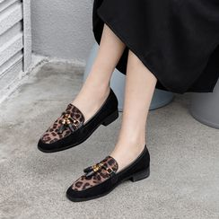 Comof - Leopard Print Loafers