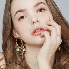 KATENKELLY - Cluster Chandelier Earrings (Crystal)