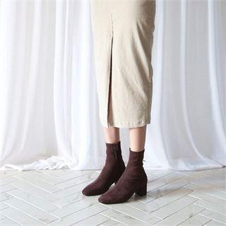 MONOBARBI - Plain Faux-Suede Ankle Boots
