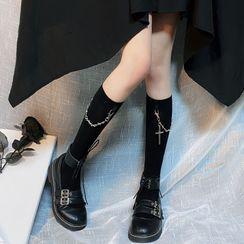Miu B - Cross Accent Socks