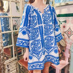 Meatacci - 3/4-Sleeve Printed Mini Beach Dress