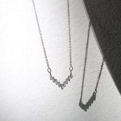 Sanbil - V-Shape 925 Sterling Silver Necklace