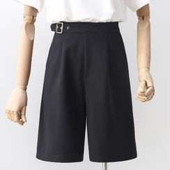 Googarden(グーガーデン) - Plain High-Waist Straight-Cut Shorts