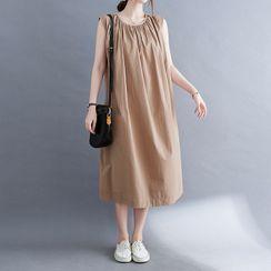Sparklebleu - Sleeveless Midi Shift Dress