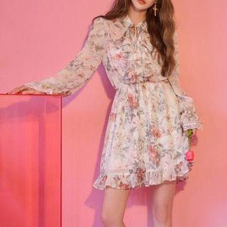 Moss Studio - Long-Sleeve Floral Print Ruffled Chiffon Dress