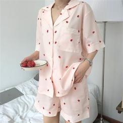 Whoosh - 睡衣套装: 草莓印花短袖上衣 + 短裤