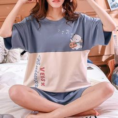 Lion Sniff - Printed Pajama Set: Elbow-Sleeve Top + Shorts