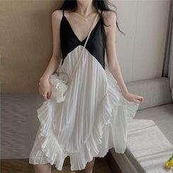 Yuxi - Two-Tone Spaghetti Strap Shift Dress