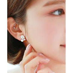Miss21 Korea - Faux-Pearl Flower Motif Stud Earrings