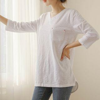 JUSTONE - V-Neck Stitched-Pocket T-Shirt