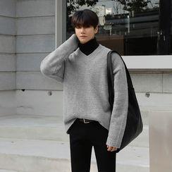 MRCYC - Plain V-Neck Sweater