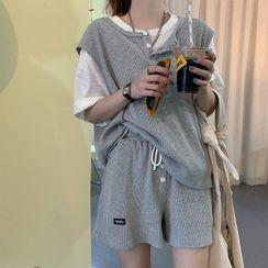 MyLeanna - 短袖T裇 / 半排扣背心 / 宽腿运动短裤