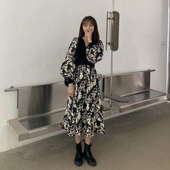 Carmenta - 泡泡袖花朵印花A字連衣中裙