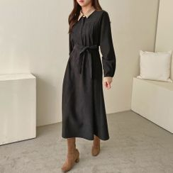 PPGIRL - Contrast-Collar Pintuck-Trim Long Dress With Sash