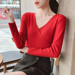 Carmenta - Long-Sleeve V-Neck Knit Top