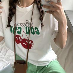 Serendipitous(セレンディピタス) - Short-Sleeve Cherry Print T-Shirt