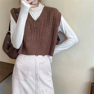 Windflower - Cropped V-Neck Cable-Knit Vest