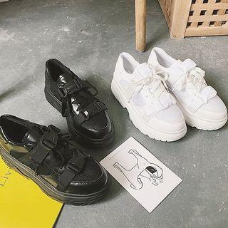COCUNA - Buckled Platform Sneakers
