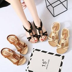 Weiya - Bead Strappy Flat Sandals