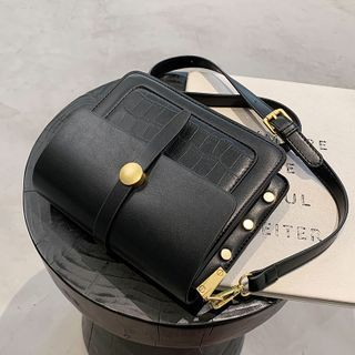 JAMEL(ジャメル) - Plain Flap Crossbody Bag
